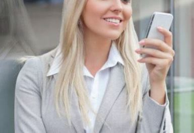 lady-smart-phone-002