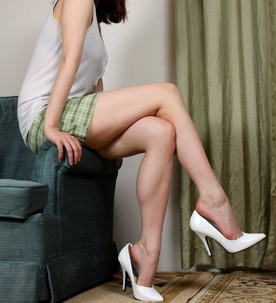 lady-in-high-heel-pumps