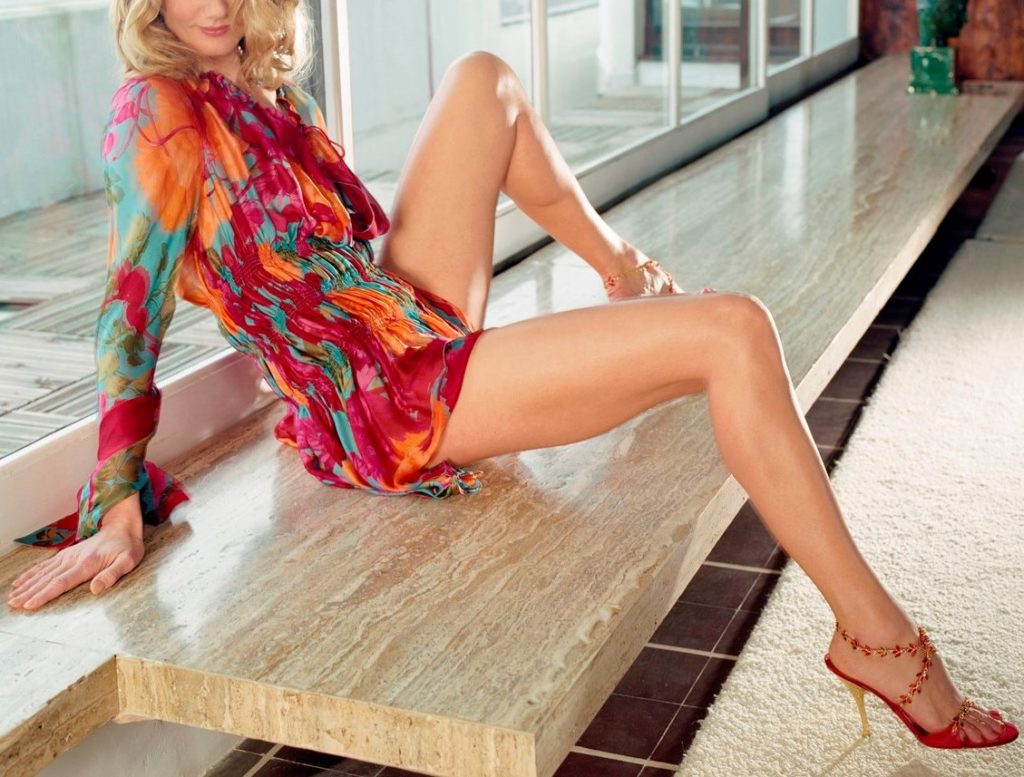 lady-high-heels-220
